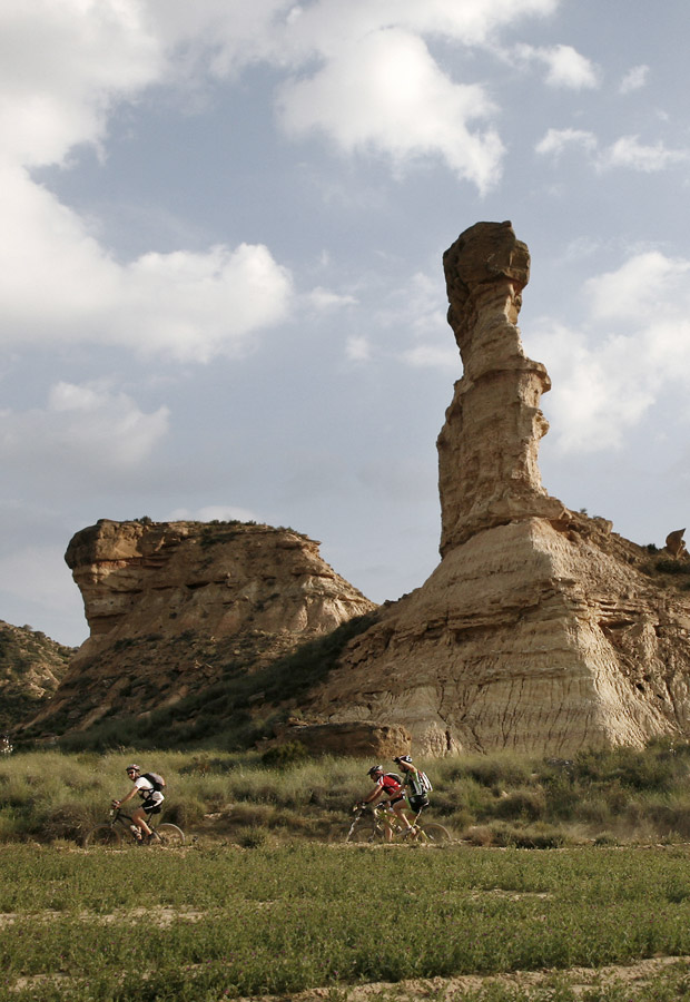 Orbea Monegros marathon gathers thousands of people to ride in a jaw-dropping, mythical setting